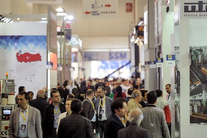 Crowded people everywhere at ITM 2018 (c) 2020 ITM