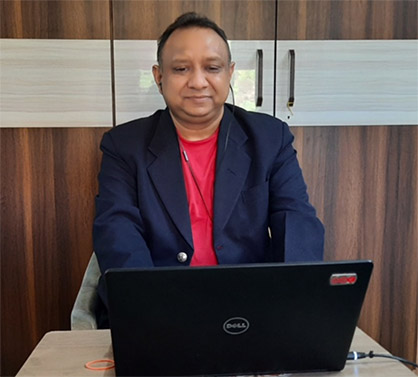 Navin Agrawal from KARL MAYER's agency A.T.E. in India attending the first KARL MAYER Academy webinar (c) 2020 KARL MAYER
