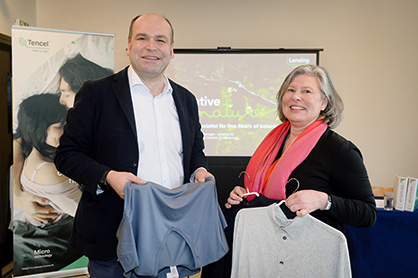 Andreas Dorner, Regional Commercial Director Textiles Europe & Americas and Claudia Mommer, Product Manager, Business Management Textile (c) 2019 Lenzing