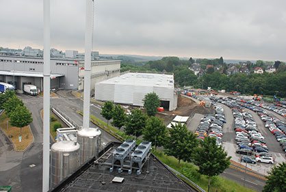 The view from above of the construction site on Leverkuserstrasse in Remscheid Lennep – the new pump manufacturing production building of Oerlikon Barmag. (c) Oerlikon