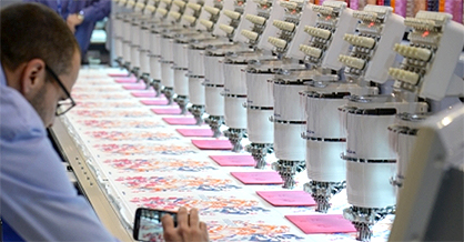 Pic: Fast and attractive: High-speed embroidery machine for decorative applications / Source: Messe Frankfurt Exhibition GmbH