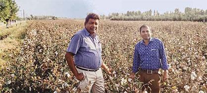 Mr. Sekar and Mr. Prakash in their cotton field (c) 2020 Truetzschler