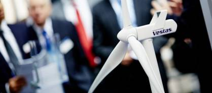 Carbon-fibre reinforced plastics (CFRP) for wind power is on the up and up (c) 2017 COMPOSITES EUROPE